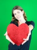 Halten eines großen Herzens Lizenzfreie Stockfotografie