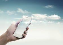 Halten eines Mobiles Lizenzfreies Stockbild