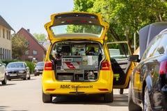 Halten Sie Auto von ADAC instand Stockfotografie