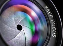 Halten Sie Fokus-Konzept auf Berufsfoto-Linse Abbildung 3D Lizenzfreies Stockfoto