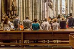 Halten Sie gehalten im zentralen Kirchenschiff instand Stockfoto