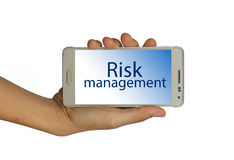 Halten Sie Risikomanagement in Ihrem Handkonzept lizenzfreie stockfotografie