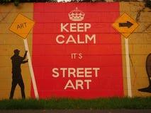 Halten Sie Ruhe, es ist Straßenkunst Stockfotos