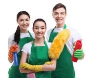 Halten Sie Team mit Reinigungswerkzeugen instand lizenzfreies stockbild