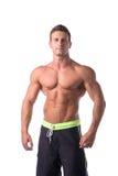 Halterofilista novo muscular na pose relaxado Imagens de Stock