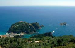 Halvö med monastyr på den Corfu ön Royaltyfri Fotografi