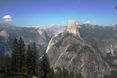 Halv kupol - Yosemite - Kalifornien Royaltyfri Foto