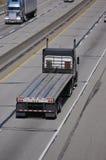 halv lastbil för flatbed Fotografering för Bildbyråer
