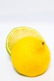 Halv limefrukt för citrus halv citron Royaltyfri Bild