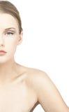 Halv stående av glamoröst posera för modell Royaltyfria Foton