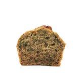 Halva av en isolerad muffin för pecannötmutter Arkivfoton