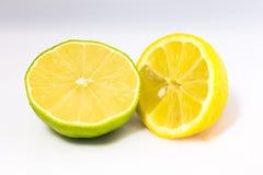 Halva limefrukt och citron Arkivbilder