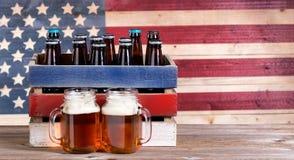 Halva liter av öl för feriepartierna Arkivfoton