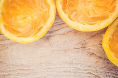 halve besnoeiing gedrukte sinaasappelen Stock Foto's