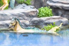 Halve paard halve vissen, Mythische Schepselen van Aziaat in Sanam Lua stock afbeelding