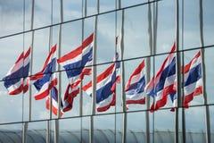 Halve personeels Thaise vlaggen Stock Foto