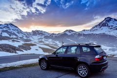 Halve sneeuwberg in de Pyreneeën royalty-vrije stock afbeelding