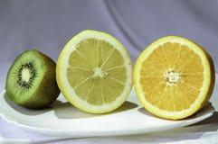 Frukt i en bunke Royaltyfri Fotografi