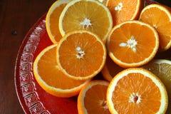 halverade apelsiner Arkivfoto