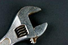 halvmånformigskiftnyckel Arkivbild