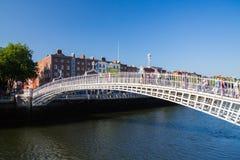 Halvpennymyntbro, Dublin City Royaltyfri Bild