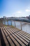 Halvpennymyntbro, Dublin City Arkivfoto