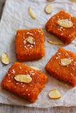 Halwa Burfee da cenoura - doce de Diwali do indiano Fotografia de Stock Royalty Free