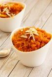 Halwa de la zanahoria - dulce de Diwali hecho de las zanahorias leche y azúcar