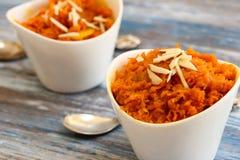 Halwa della carota - dolce di Diwali fatto delle carote latte e zucchero Immagini Stock