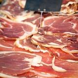 Ham bij een markt Royalty-vrije Stock Foto's