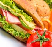Ham Cheese Roll Indicates Food-Delikatessen und -käse stockbild
