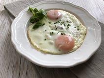 Ham en gebraden eieren royalty-vrije stock afbeeldingen