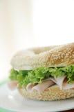 Ham en ongezuurd broodje stock afbeelding