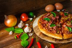 Ham en paddestoelpizzapastei Royalty-vrije Stock Fotografie