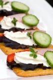 Ham en roomkaas canape Stock Foto's