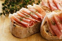 Ham met brood Royalty-vrije Stock Fotografie