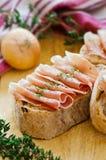 Ham met brood Stock Fotografie