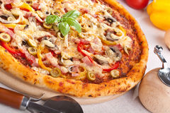 Ham, Mushroom and Vegetable Pizza Stock Photos