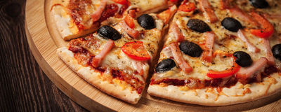 Ham pizza close up letterbox Stock Photography