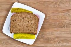 Ham Sandwich machte vom Vollweizenbrot Stockfoto