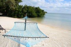 Hamac par la plage Photo libre de droits