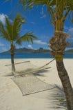 Hamac sur la plage images stock