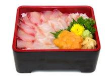 Hamachi Madai uni Don: Japonês Donburi com iso misturado dos peixes crus Imagens de Stock Royalty Free