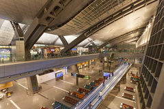Hamad International Airport dans Doha Photos stock