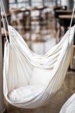 hamaka krzesło w kawiarni Zdjęcia Royalty Free