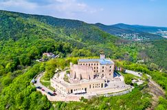 Hambacher Schloss或Hambach城堡,鸟瞰图 莱茵河流域巴列丁奈特,德国 免版税图库摄影