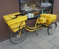 Hambourg, Allemagne - 31 janvier 2019 : Bicyclette postale allemande photos libres de droits
