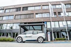 Hambourg, Allemagne - 15 juillet 2017 : La société Hermes utilise des E-voitures dans le siège social dans la ville de Hambourg Images stock