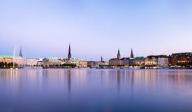Hamburg Alster siktspanorama Arkivfoto