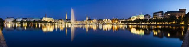 Hamburg Binnenalster nachts Lizenzfreies Stockfoto